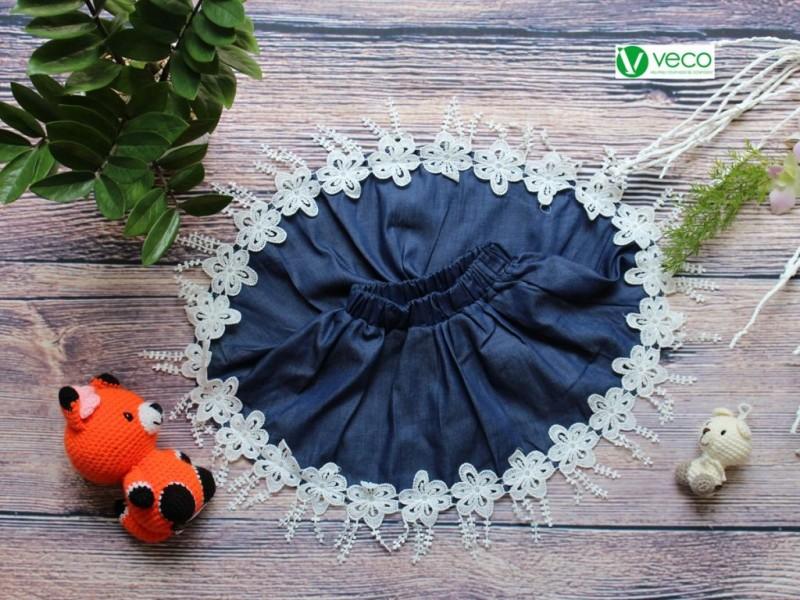 xưởng may quần áo trẻ em giá sỉ Veco - váy jean phối ren duyên dáng